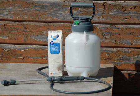 milk_spray